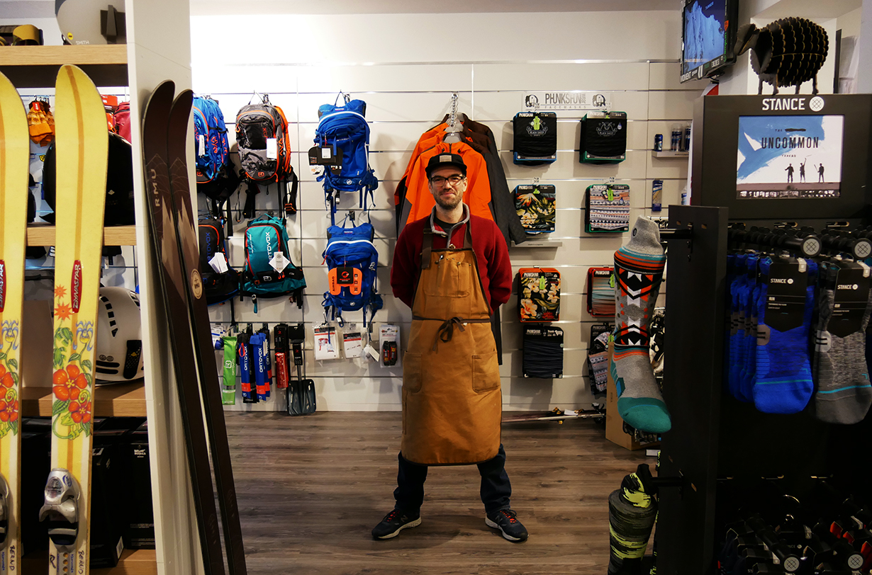 Black Sheep Sports founder, Sebastian Steinbach, goes on Blister's GEAR:30 podcast to discuss running a freeride ski shop in Germany, how COVID-19 has affected the ski industry in Europe, customer service in the ski world, and more