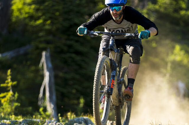 Noah Bodman reviews the Hunt All-Mountain Carbon H_Impact Wheelset for Blister