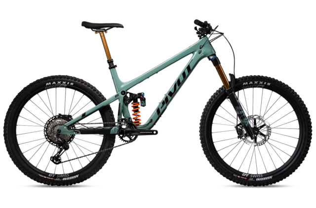 David Golay reviews the Pivot Mach 6 for Blister
