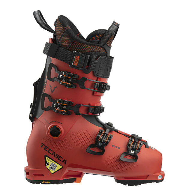 Blister reviews the 2021-2022 Tecnica Cochise 130