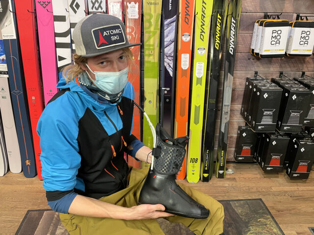 Sascha Anastas & Jonathan Ellsworth discuss on Blister's GEAR:30 podcast Zipfit liners and Atomic's Mimic Professional Liner