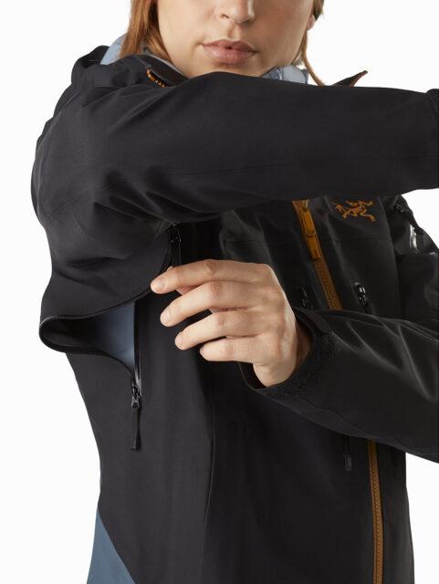 Rebecca Chow & Kristin Sinnott review the Arc'teryx Sentinel LT Jacket for Blister