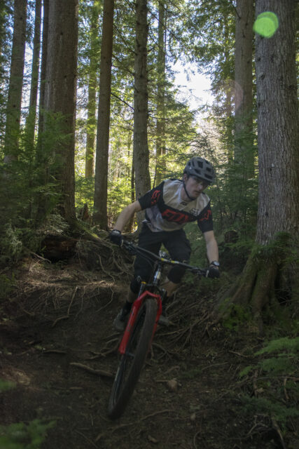 David Golay and Zack Henderson review the Marin El Roy for Blister