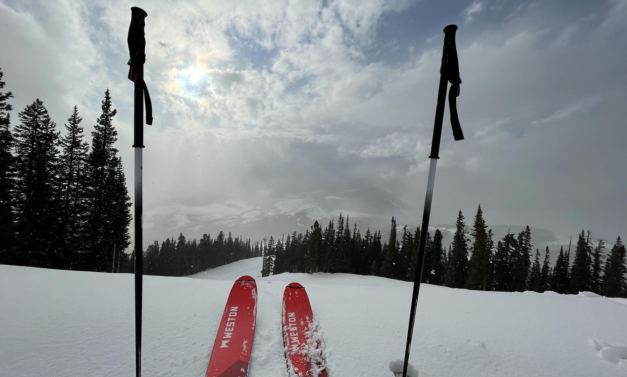 Luke Koppa reviews the Weston Summit ski for Blister