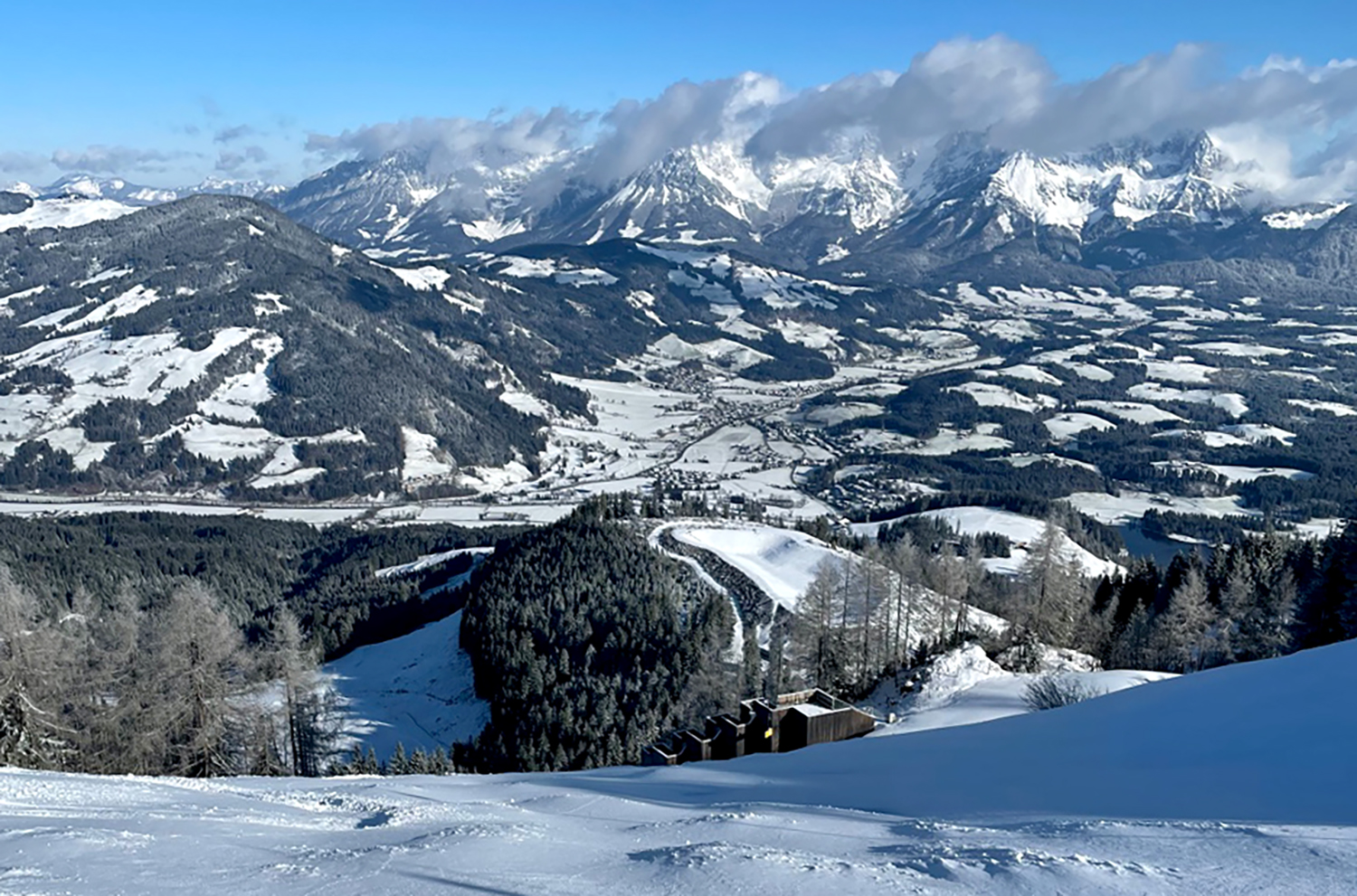 Blacksheep Sports' Sebastian Steinbach goes on the Blister Podcast to discuss the 20/21 ski / snowboard season in Europe, how it went, and his predictions for the 21/22 season.