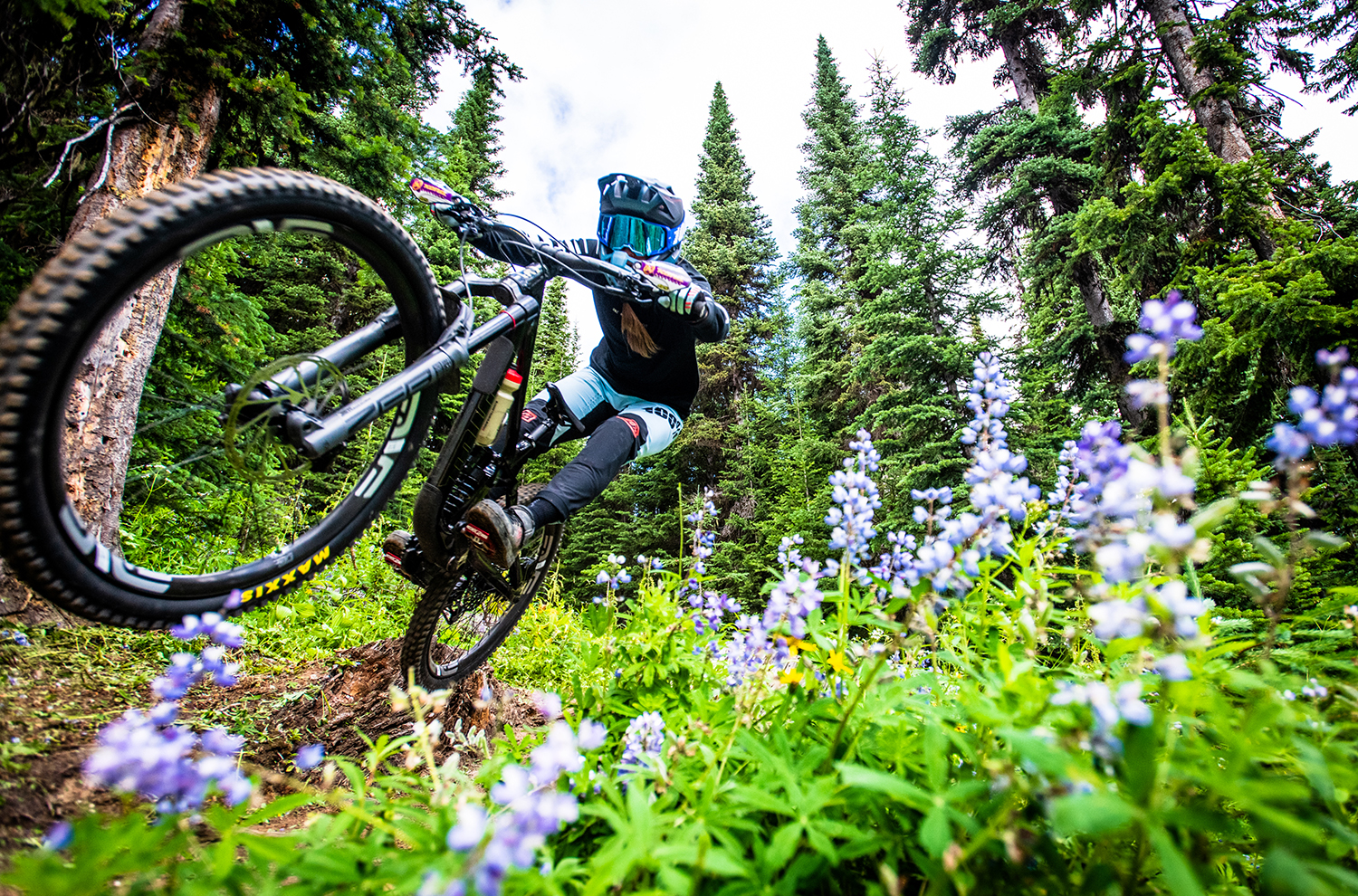 Miranda Miller goes on Blister's Bikes & Big Ideas Podcast to discuss starting her new YouTube channel, MGM Alternative, with Remi Gauvin and Jesse Melamed; choosing riding partners; racing Enduro vs. racing DH; espresso machines & World Cup wins; books; & more.