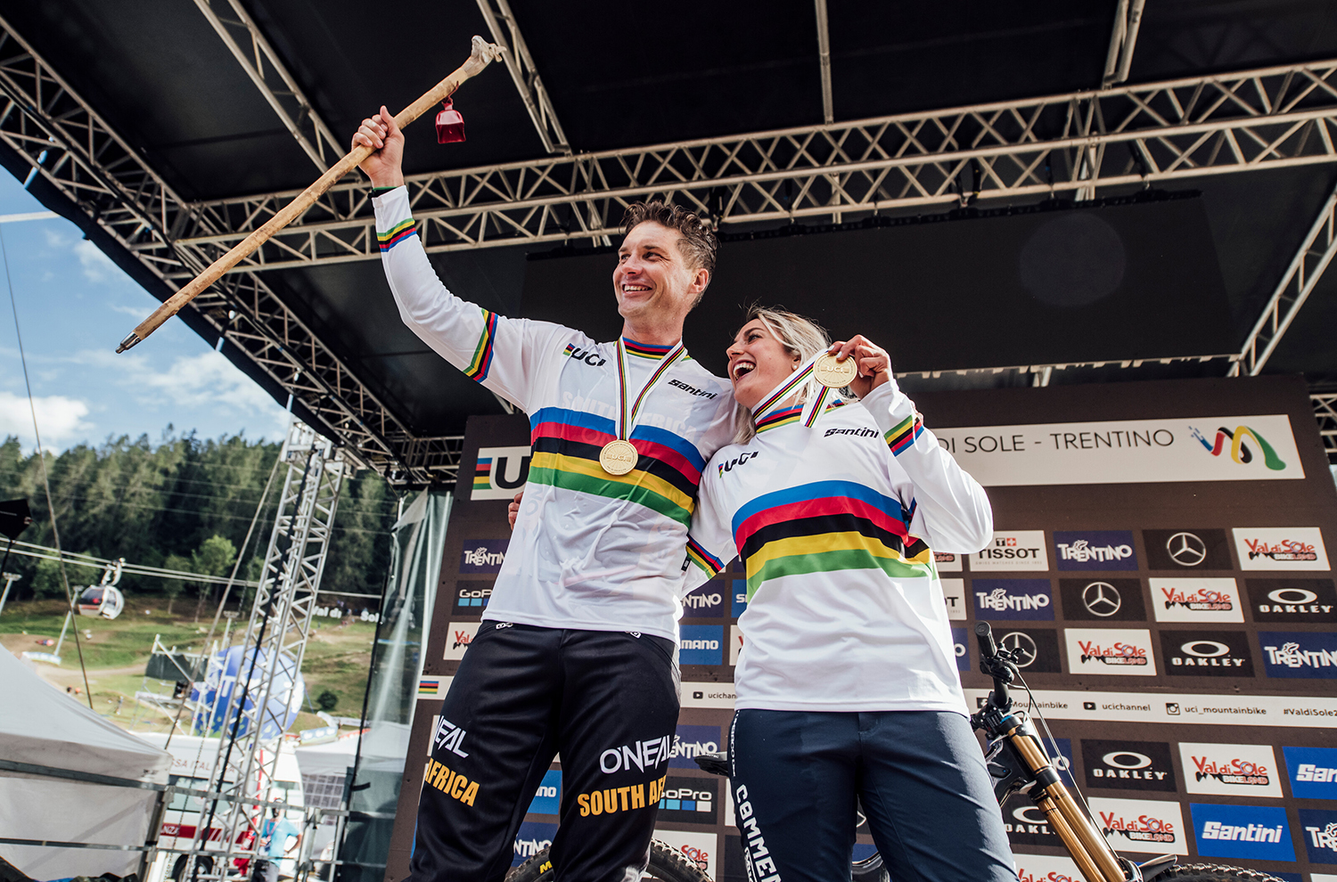The last few weeks have been packed with outstanding DH racing, so Noah Bodman and David Golay sat down to talk about all the action at World Championships and the Lenzerheide World Cup. They also discuss a whole bunch of new suspension that we've been testing from Fox, including the updated 34 fork and both the new DHX and Float X rear shocks.