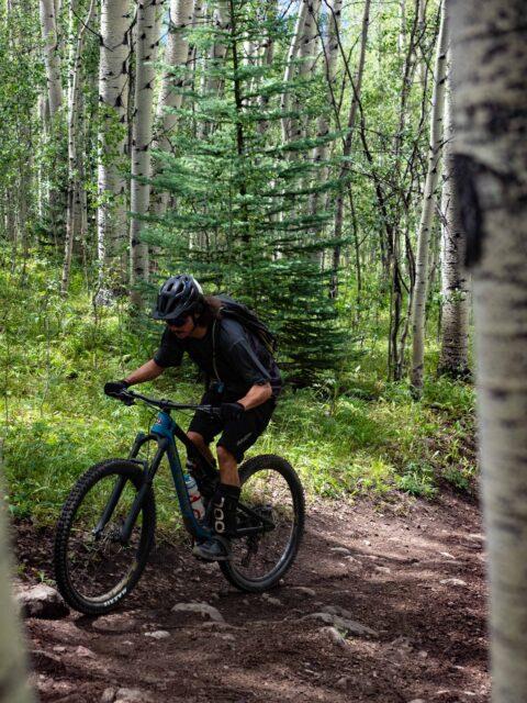 Dylan Wood reviews the Dakine Seeker 18L Bike Hydration Backpack for Blister