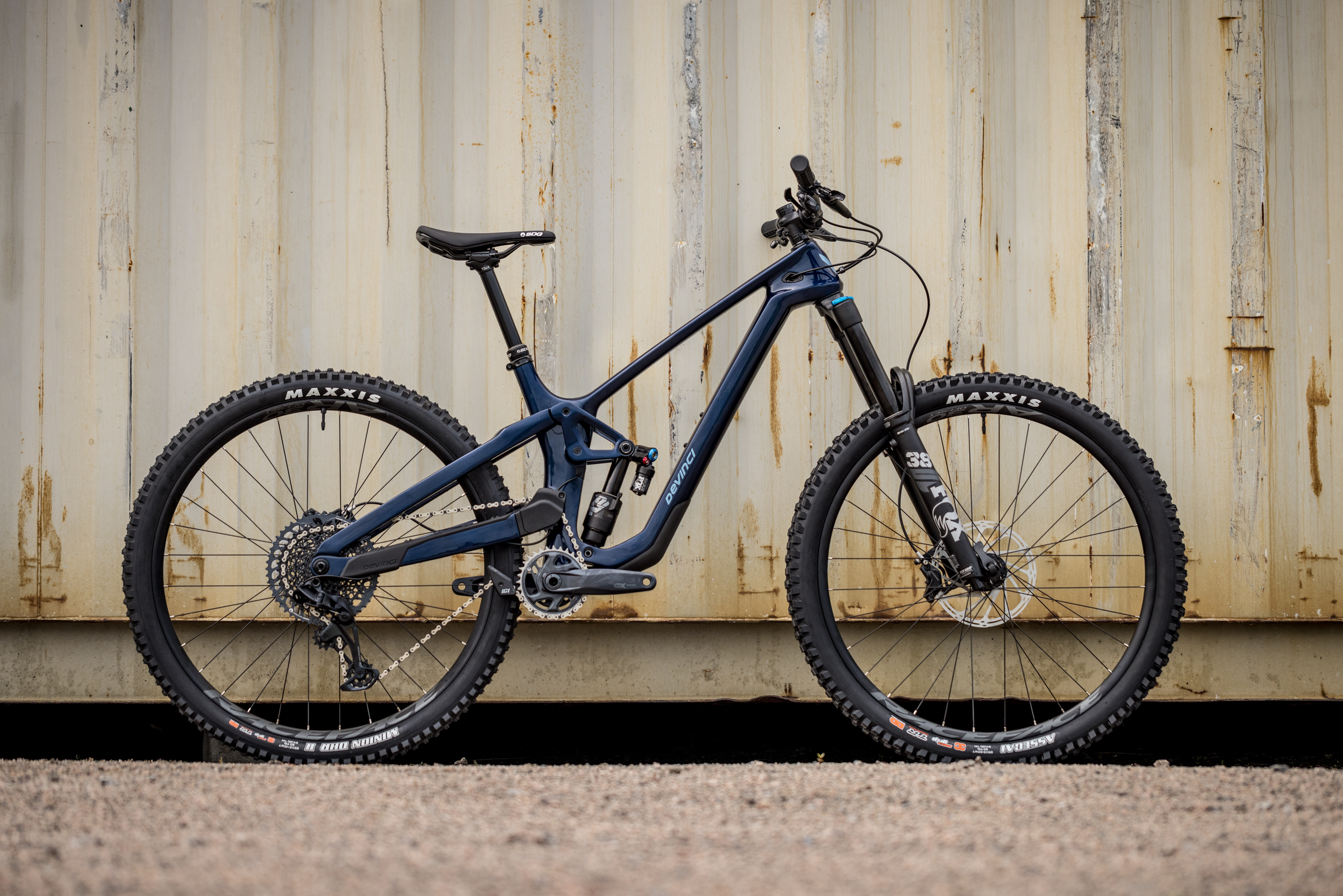 David Golay reviews the Devinci Spartan for Blister